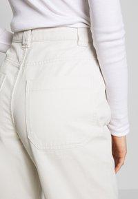 Weekday - GWYNETH TROUSER - Trousers - light beige - 3