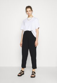 Weekday - BARB TROUSERS - Pantaloni - black - 1
