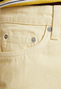 Weekday - WEND SKIRT - Jupe en jean - pale yellow - 3