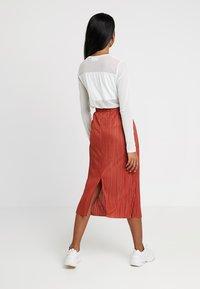 Weekday - KILN SKIRT - Pleated skirt - rust - 2