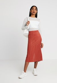 Weekday - KILN SKIRT - Pleated skirt - rust - 1
