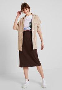 Weekday - SKIRT - Pouzdrová sukně - brown - 1