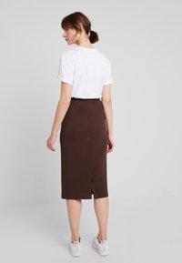 Weekday - SKIRT - Pouzdrová sukně - brown - 2