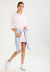 Weekday - HUGE DRESS - Jerseykjole - white - 1