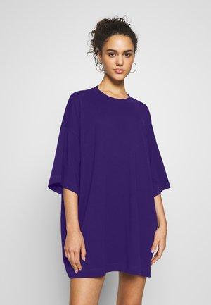 HUGE DRESS - Jerseyjurk - dark purple