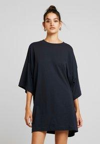 Weekday - HUGE DRESS - Jersey dress - blue dark - 0