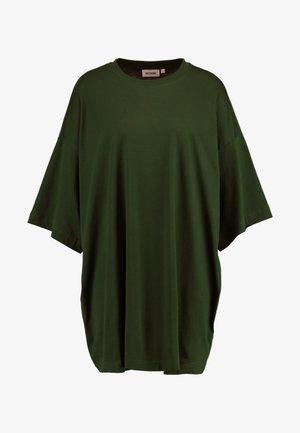 HUGE DRESS - Jerseyklänning - green dark