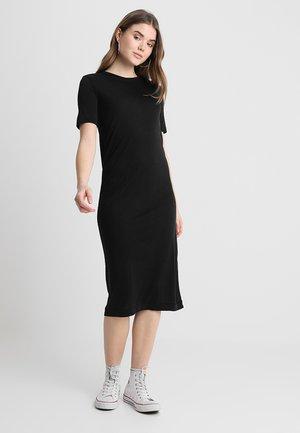 BEYOND DRESS - Žerzejové šaty - black