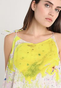 Weekday - MOSS STRAP DRESS - Maxikleid - off-white/multi-coloured - 6