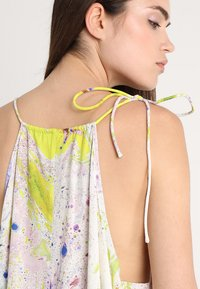 Weekday - MOSS STRAP DRESS - Maxikleid - off-white/multi-coloured - 4