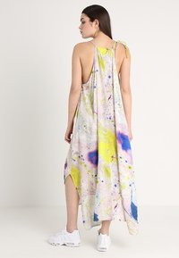 Weekday - MOSS STRAP DRESS - Maxikleid - off-white/multi-coloured - 3