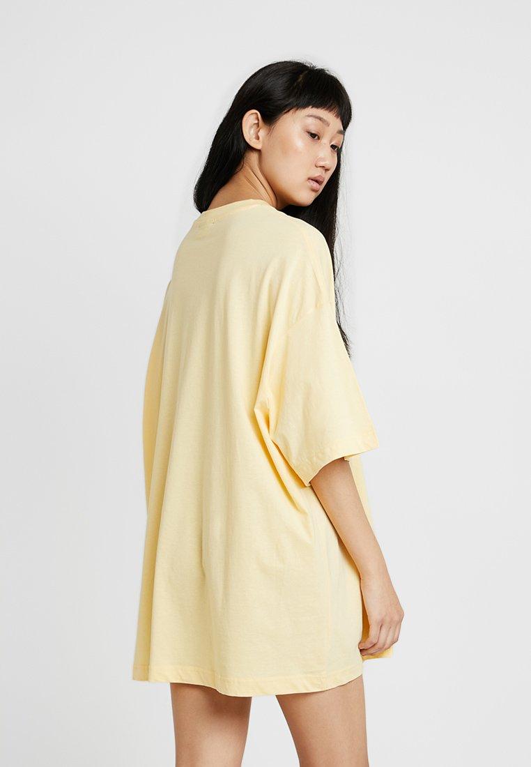 Vestito Vestito Yellow MaglinaGiallo Weekday Di Di Weekday MaglinaGiallo Yellow 8wNvmn0