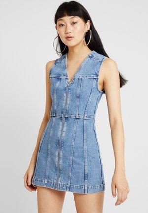 DAY DRESS - Denim dress - pen blue