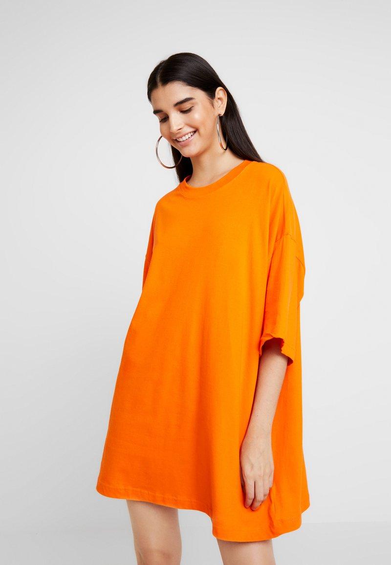 Weekday - HUGE DRESS - Jerseykleid - orange