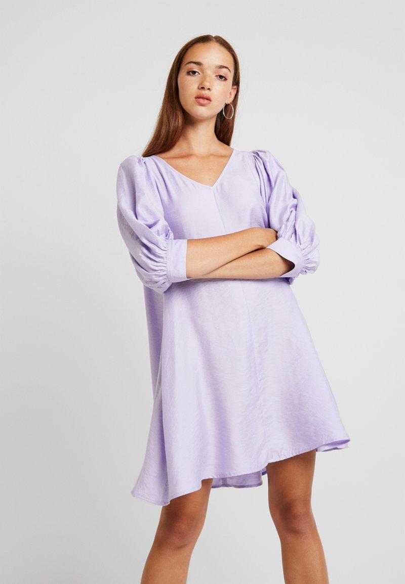 Weekday - HANNAH DRESS - Korte jurk - lilac