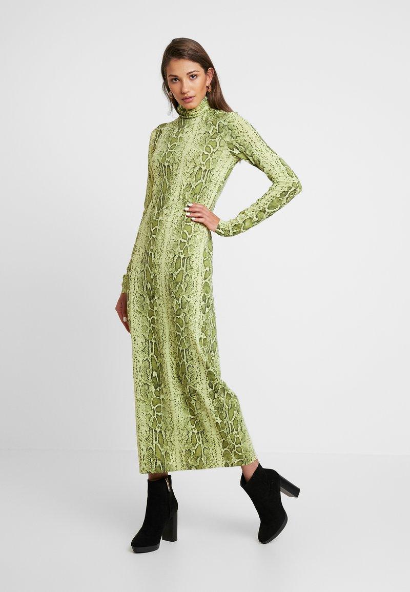 Weekday - MAXINE DRESS - Vestido largo - green snake