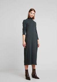 Weekday - LORETTA DRESS - Strikket kjole - green - 2