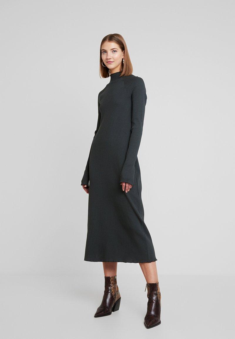 Weekday - LORETTA DRESS - Strikket kjole - green