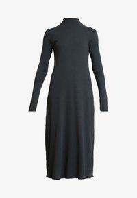 Weekday - LORETTA DRESS - Strikket kjole - green - 4