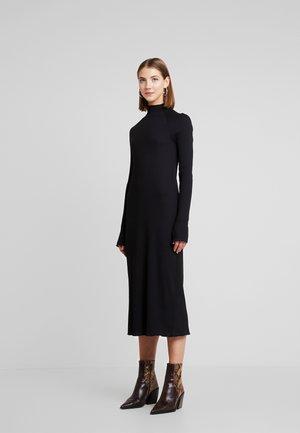 LORETTA DRESS - Pletené šaty - black
