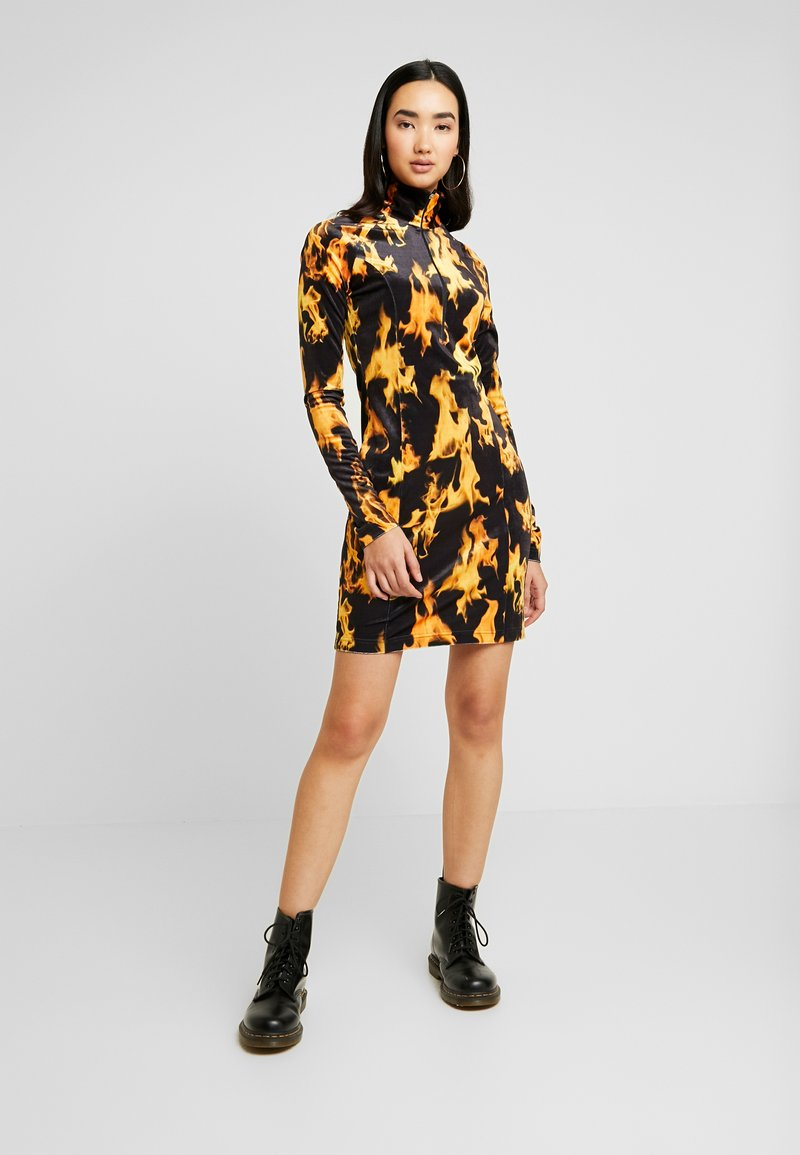 Weekday - SANDY DRESS - Shift dress - yellow
