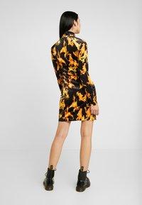 Weekday - SANDY DRESS - Shift dress - yellow - 3