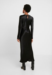 Weekday - BIRDIE DRESS - Denní šaty - black - 3