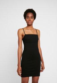 Weekday - HAILEY STRAP DRESS - Pouzdrové šaty - black - 0