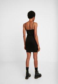 Weekday - HAILEY STRAP DRESS - Pouzdrové šaty - black - 3