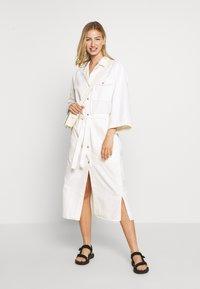 Weekday - BAY DRESS - Blousejurk - white - 1