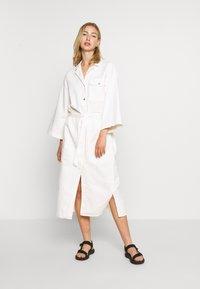 Weekday - BAY DRESS - Blousejurk - white - 0
