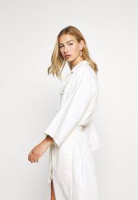 Weekday - BAY DRESS - Blousejurk - white - 3