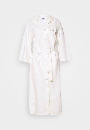 BAY DRESS - Vestido camisero - white