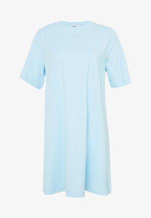 TRISH DRESS - Žerzejové šaty - light blue