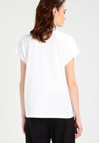 Weekday - PRIME - Basic T-shirt - white - 2