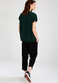 Weekday - PRIME - Camiseta básica - dark green - 2