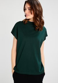 Weekday - PRIME - Camiseta básica - dark green - 0