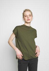 Weekday - PRIME - T-shirts - green - 0