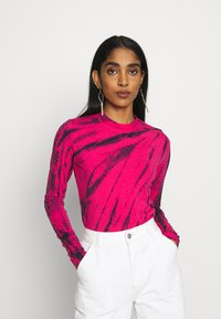 Weekday - MEJA LONG SLEEVE - T-shirt à manches longues - bright pink - 0