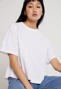 Weekday - TRISH - T-shirts basic - white - 3