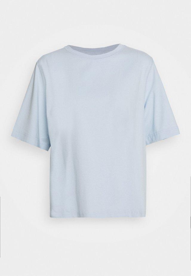 TRISH - T-Shirt basic - light blue