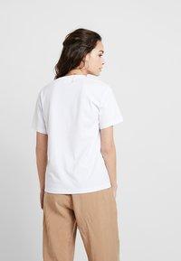 Weekday - ALANIS - Basic T-shirt - white - 2