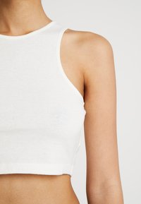 Weekday - 100% RECYCLED COLLECTION COMPOSURE CROP - Top - natural off white - 5