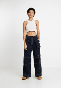 Weekday - 100% RECYCLED COLLECTION COMPOSURE CROP - Top - natural off white - 1