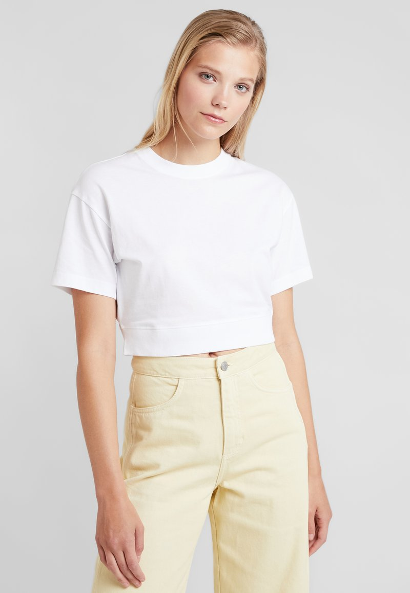 Weekday - TYPO CROPPED  - T-Shirt basic - white