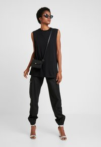 Weekday - FAST TANK - Top - black - 1