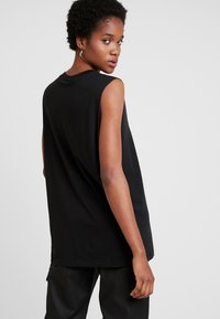 Weekday - FAST TANK - Top - black - 2