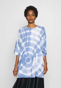 Weekday - HUGE - T-shirt print - blue - 0