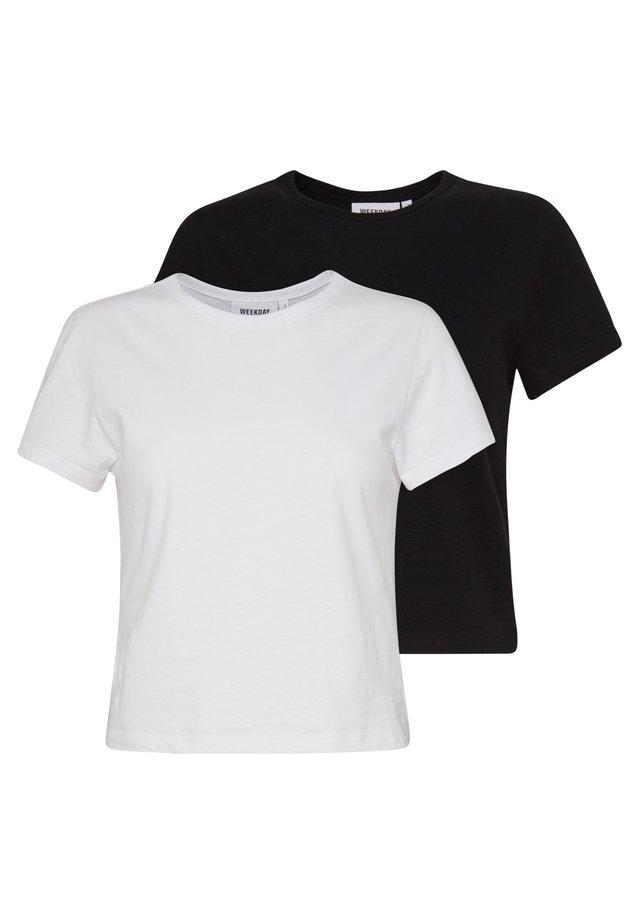 FOREVER 2 PACK - T-shirts - black/white