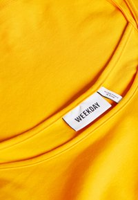 Weekday - EVETT SLIP SINGLET - Top - warm yellow - 2